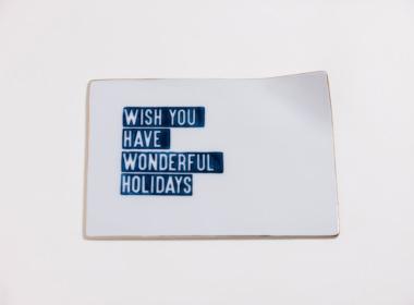 テーブルウェアクローゼット クリスマスレタープレート ウィッシュユーハブワンダフルホリデー ゴールド M
