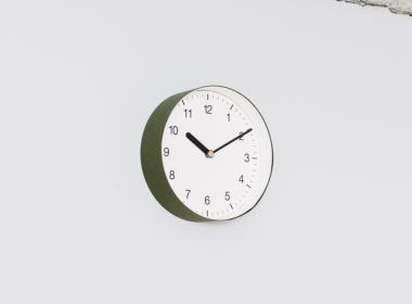 イナフ クロック-ナンバー M グリーン