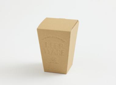 カップが入る台形の箱